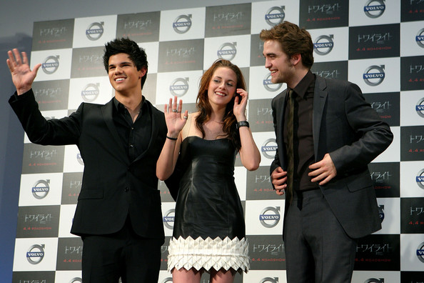 twilight press conference in जापान 08