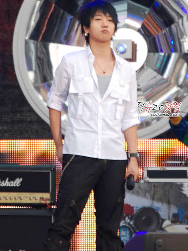 yesung ... handsome