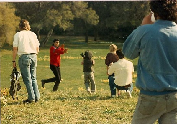 "1987. Having a breake during filming ""Moonwalk"""