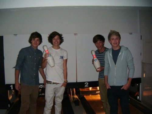 1D = Heartthrobs (I Ave Enternal pag-ibig 4 1D & Always Will) Going Bowling Strike!!!! 100% Real ♥
