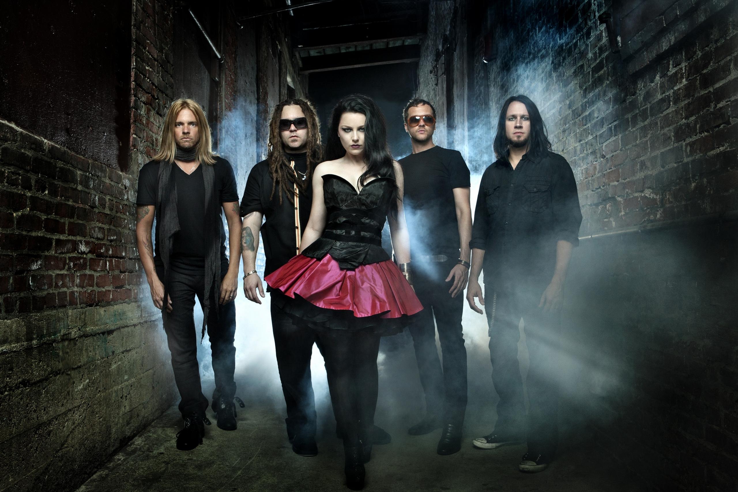 2011 Evanescence Photoshoot by Chapman Baehler