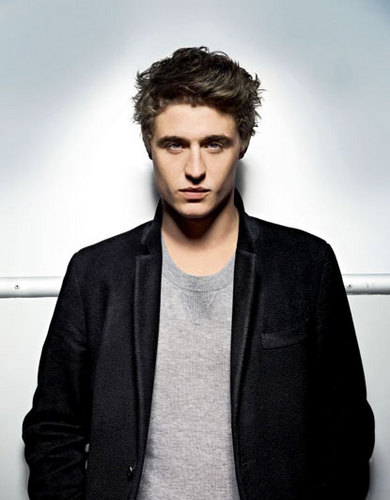 2011 Photoshoot - Evening Standard - max-irons Photo
