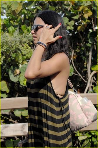 Adriana Lima: Bikini Babe in Miami!