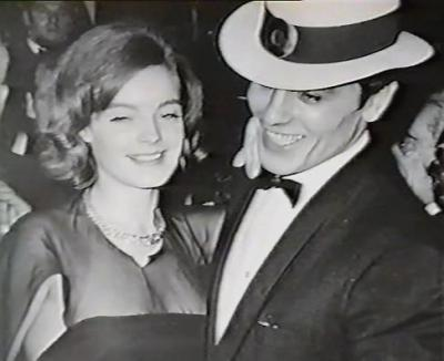 알랭 들롱 바탕화면 containing a snap brim hat called Alain Delon and Romy Schneider