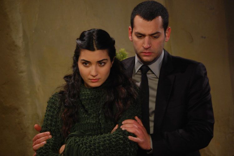 http://images4.fanpop.com/image/photos/24200000/Asi-turkish-tv-series-24224049-750-499.jpg