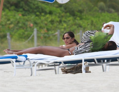 Bikini Candids on the সৈকত in Miami 1 05 2011