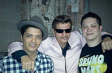 Bruno Mars wallpaper possibly with a workwear entitled Bruno, Eric & Father.