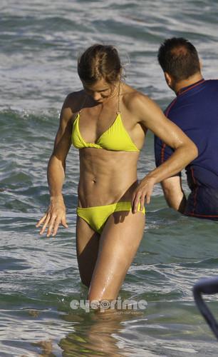 Cameron Diaz in a Bikini on the 海滩 in Miami, Jul 31