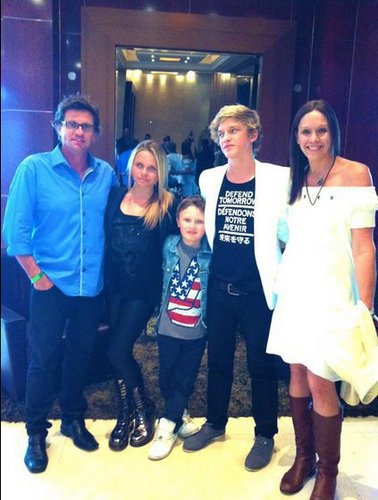 Cody Robert Simpson<3