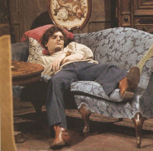 Dark Shadows fond d'écran containing a drawing room, a living room, and a family room called David Selby
