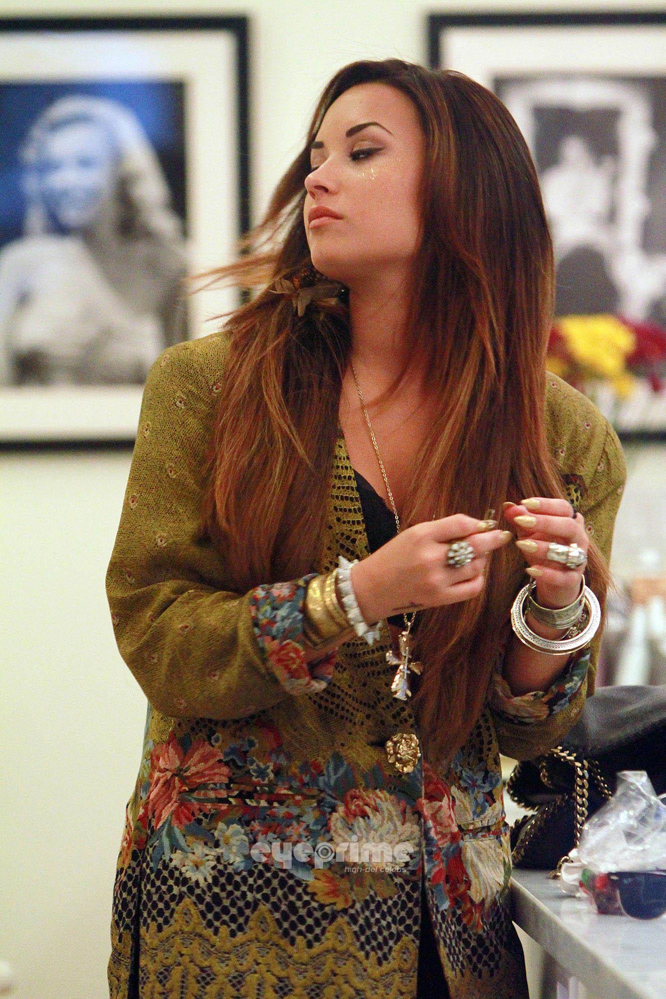 Demi Lovato out in Los Angeles, August 2 - demi-lovato photo