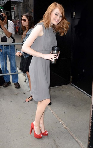 """Emma Stone and Bryce Dallas Howard at GMA promoting """"The Help"""" (August 4)."""