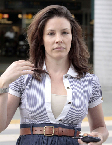 Evangeline Lilly And Family Arriving On A Flight In Vancouver