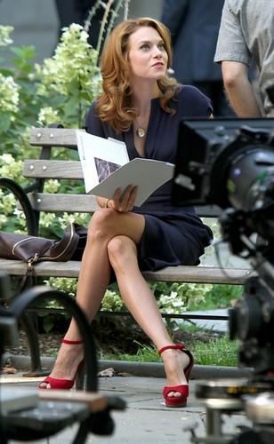 Hilarie burton On The Set Of White kolar