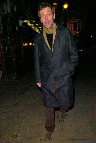 Hugh Laurie walks through St. Martin's Lane in Лондон on Dec. 12, 2007.