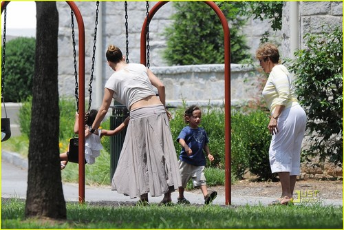 Jennifer Lopez: Playground with Max & Emme!