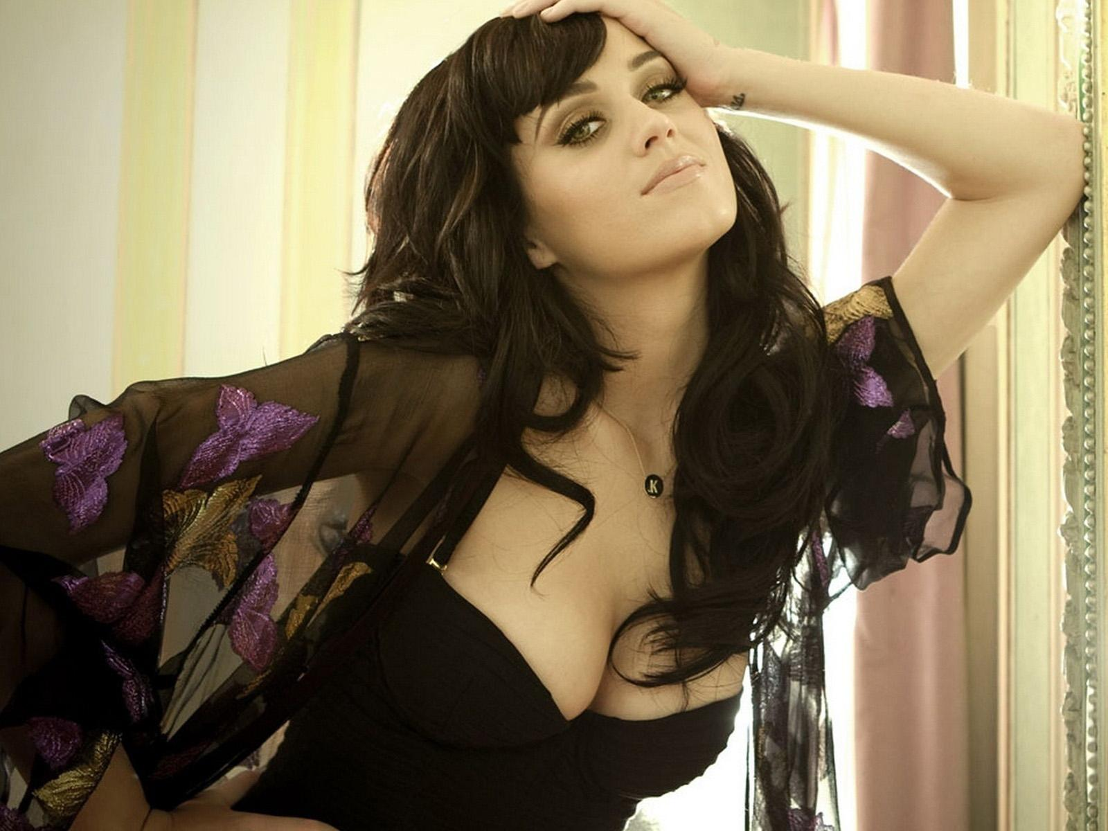 http://images4.fanpop.com/image/photos/24200000/KATY-PERRY-P-katy-perry-24210586-1600-1200.jpg