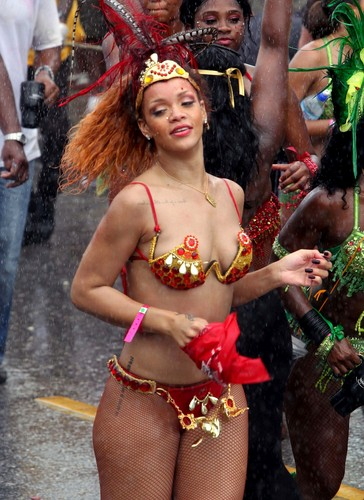 Rihanna wallpaper containing a bikini called Kadooment Day Parade in Barbados 1 August 2011