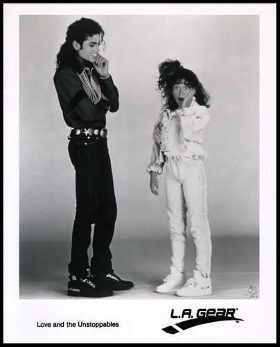 Michael Jackson & Jennifer Love-Hewitt. advertising shoe ''LA GEAR'' 1989 tahun