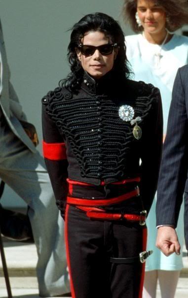 Micheal, how beautifil te are!!