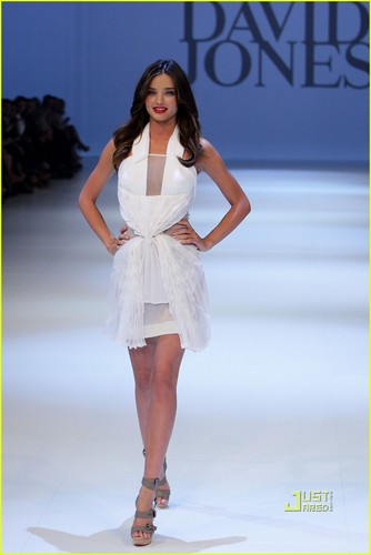 Miranda Kerr: David Jones Fashion Show!