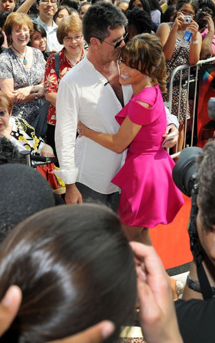 Mr & Mrs Cowell?????? - saula Photo