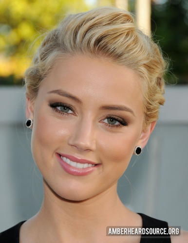 amber heard wallpaper with a portrait entitled NBC Universal TCA 2011 Press Tour All-Star Party - 08/01