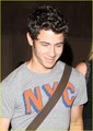 Nick Jonas & Delta Goodrem: Bowling তারিখ (08.02.2011) !!!