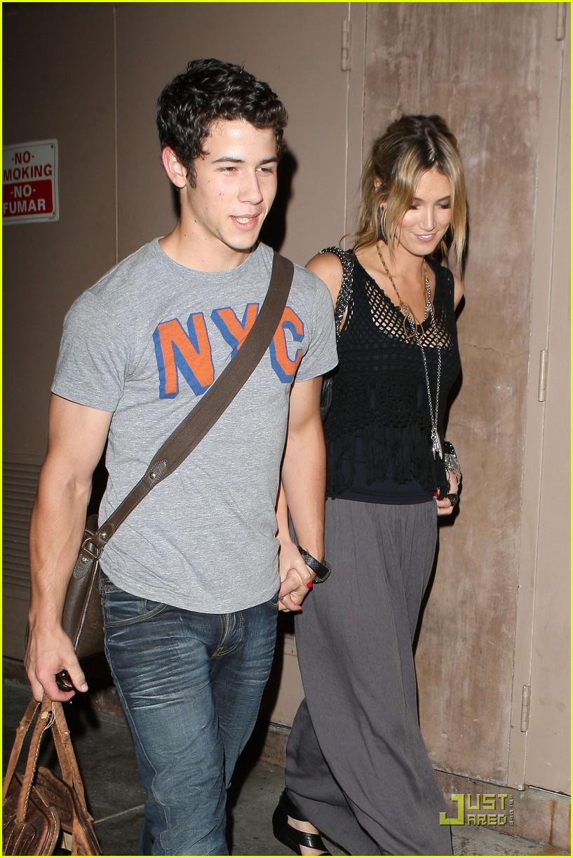 Jonas brother dating