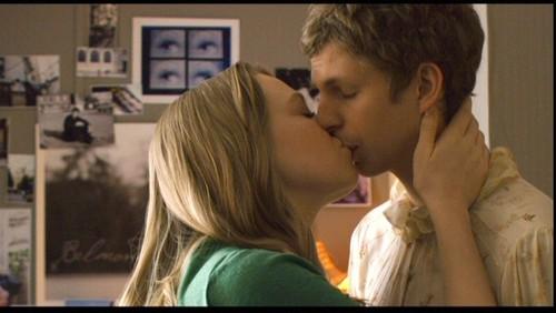 Nick and Sheeni kiss