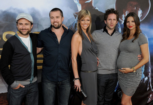 Premiere Of Universal Pictures &#34;Cowboys &amp; Aliens&#34; - Arrivals - charlie-day Photo