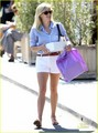Reese Witherspoon: Summertime Cake Delivery - reese-witherspoon photo