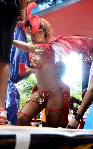 রিহানা out for Barbados' Kadoomant দিন Parade (August 1).