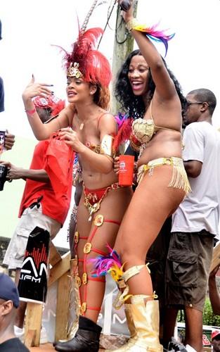 রিহানা out for Barbados' Kadoomant দিন Parade (August 1).