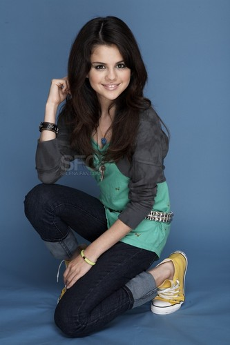 selena gomez wallpaper with a hip boot titled SELS foto SHOOTS!