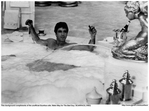 Scarface wallpaper containing a hot tub and a bather entitled Scarface