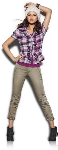 Selena 2011