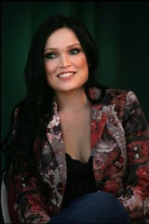 http://images4.fanpop.com/image/photos/24200000/Tarja-Turunen-tarja-24205525-302-454.jpg