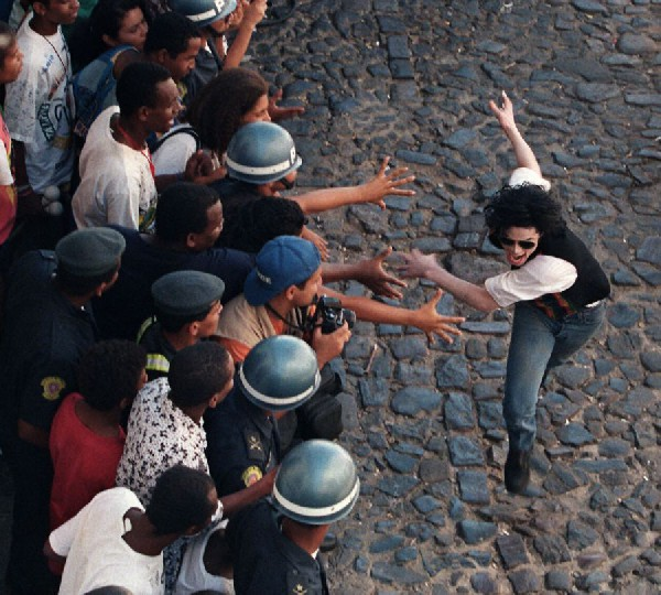 The video was filmed in a poor and dangerous district, in Rio De Janeiro