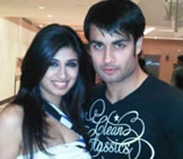 Vivian Dsena wallpaper containing a portrait entitled Vivian with his real life GF Vohbbij Dorabjee(Panchi)
