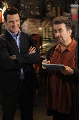 Warehouse 13 - Episode 3.05 - 3 . . . 2 . . . 1 - Promotional चित्रो