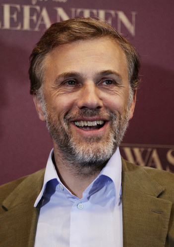 Christoph Waltz wallpaper containing a business suit entitled Water For Elephants Germany Photocall