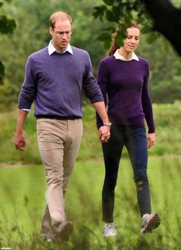 William & Kate taking a stroll hand in hand