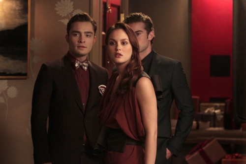 Blair & Chuck hình nền with a business suit and a suit called bc