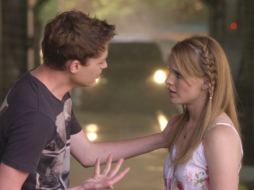 emmett tells off daphne