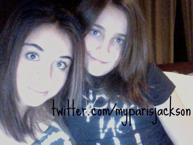 http://images4.fanpop.com/image/photos/24200000/paris-paris-jackson-24201828-640-480.jpg