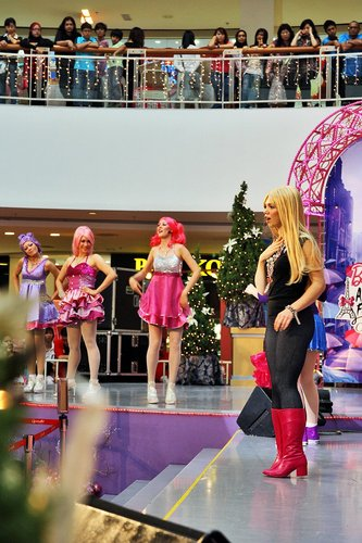 [Barbie: A Fashion Fairytale] Live Show