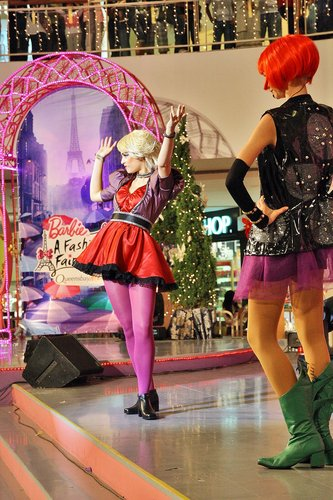 [Barbie: A Fashion Fairytale] Live hiển thị