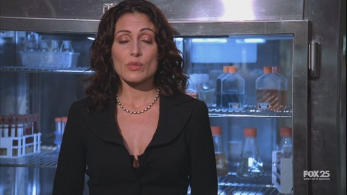 2.06 &#39;Spin&#39; Screencaps - dr-lisa-cuddy Screencap