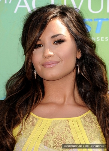 Demi - Teen Choice Awards - August 07, 2011